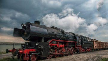 paren_lokomotiv__s_tovarni_vagoni